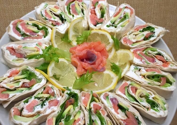 Рулет из лаваша с семгой и творожным сыром - 8 пошаговых фото в рецепте
