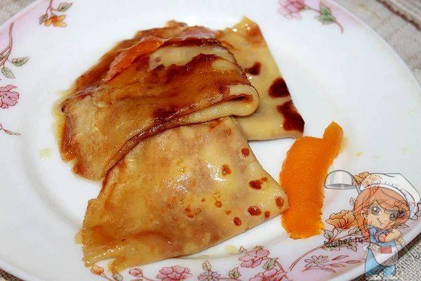 Блины«крепсюзетт» с апельсиновым соусом