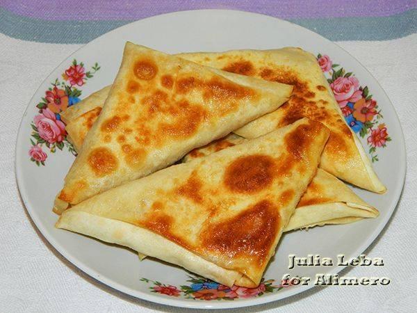 Пирожки из лаваша на сковороде и в духовке - рецепты начинок с луком, яйцом, картошкой, сыром