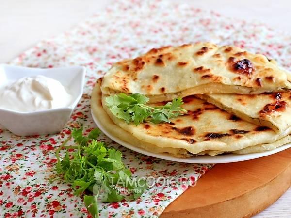 Творожные лепешки - 8 рецептов на сковороде, в духовке, фото