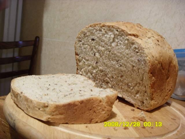 Хлеб с травами, оливками и сыром