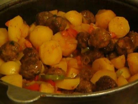 Фрикадельки с картофелем