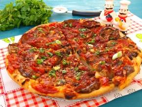 Пицца с баклажанами и кальмарами
