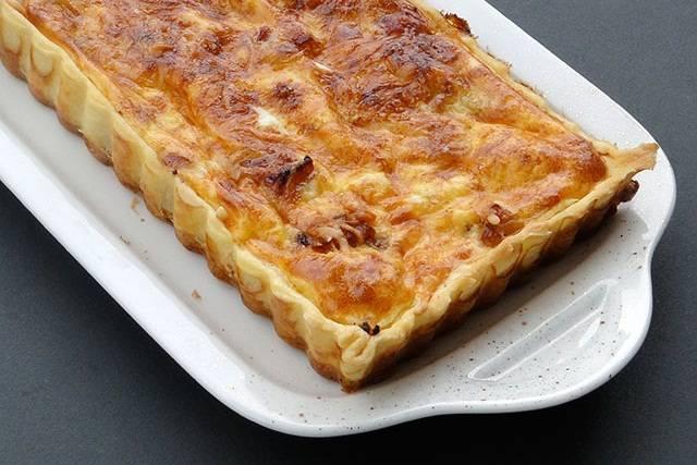 Галет де руа – французский пирог волхвов (galette des rois)  ворох воздушных хрустящих слоёв скрывает нежный миндальный крем и сюрприз