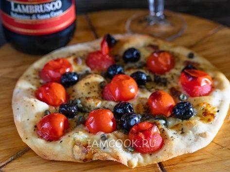 Лепешки с сырно-оливковой начинкой