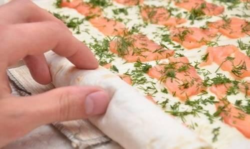 Рулет из лаваша с семгой - рецепты приготовления с творожным кремом, свежими огурцами или сыром