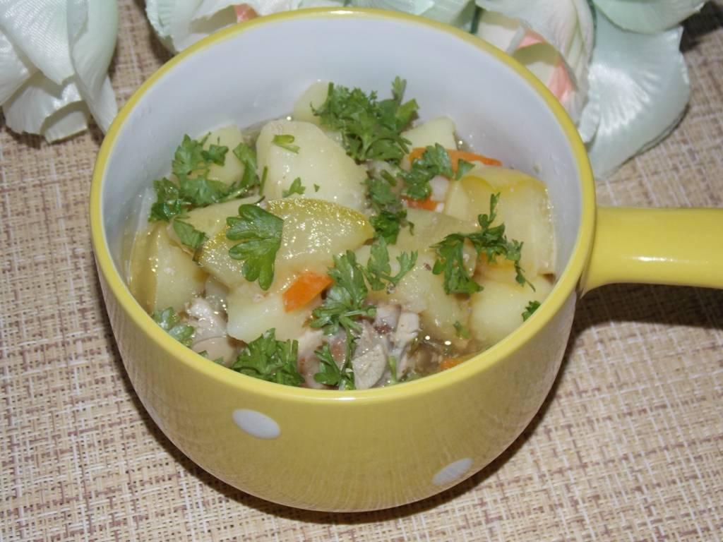 Курица с кабачками и картошкой в духовке
