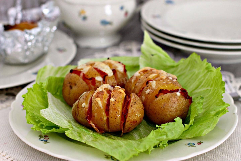 Картофель, запеченный с салом: рецепт и фото