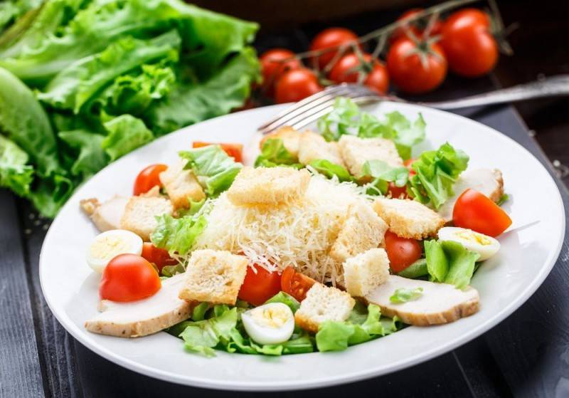 """Заправка для салата """"цезарь"""": пошаговые рецепты с фото для легкого приготовления"""