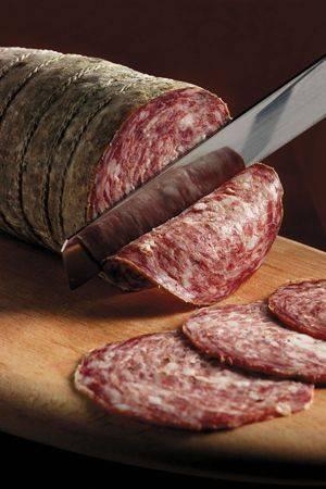 Колбаса из свинины в домашних условиях рецепт