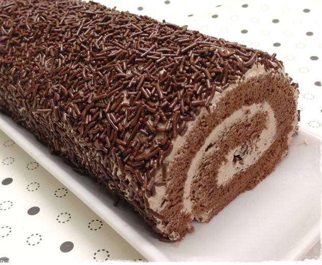 Бисквитный рулет «шоколадно-ореховое наслаждение»
