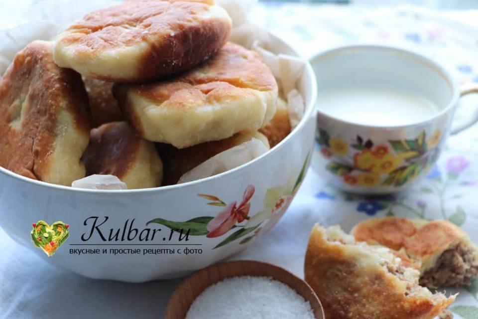 Жареные постные дрожжевые пирожки на сухих дрожжах с капустой за 15 минут