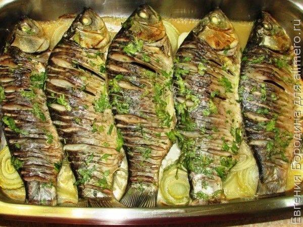 Фаршированные караси, запеченные в духовке - 8 пошаговых фото в рецепте