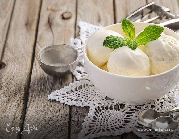 Как приготовить мороженое в домашних условиях 4 рецепта без мороженицы. сливочное эскимо, крем-брюле, советский пломбир и шоколадное мороженое из сметаны.