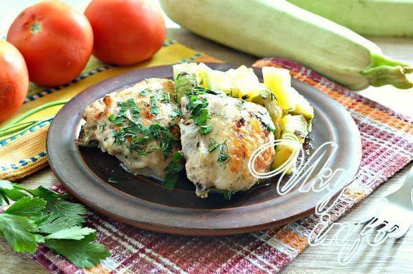Овощное рагу с тушеной курицей кабачками и картошкой