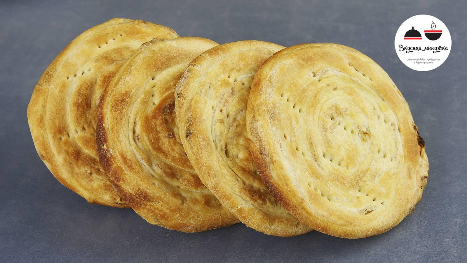 Лепешки с сыром и колбасой на сковороде - 10 пошаговых фото в рецепте