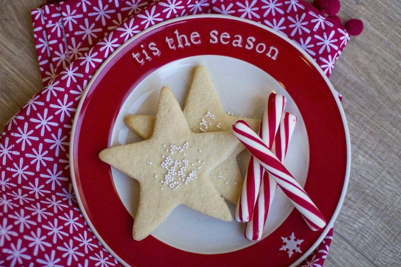 Новогоднее печенье: 3 классических рецепта и один сюрприз!