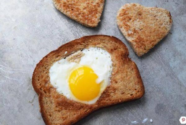 Как приготовить романтический завтрак за 10 минут