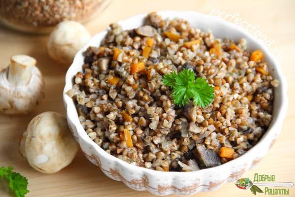 Гречневая каша с грибами сушеными или свежими - рецепты с луком, курицей и индейкой