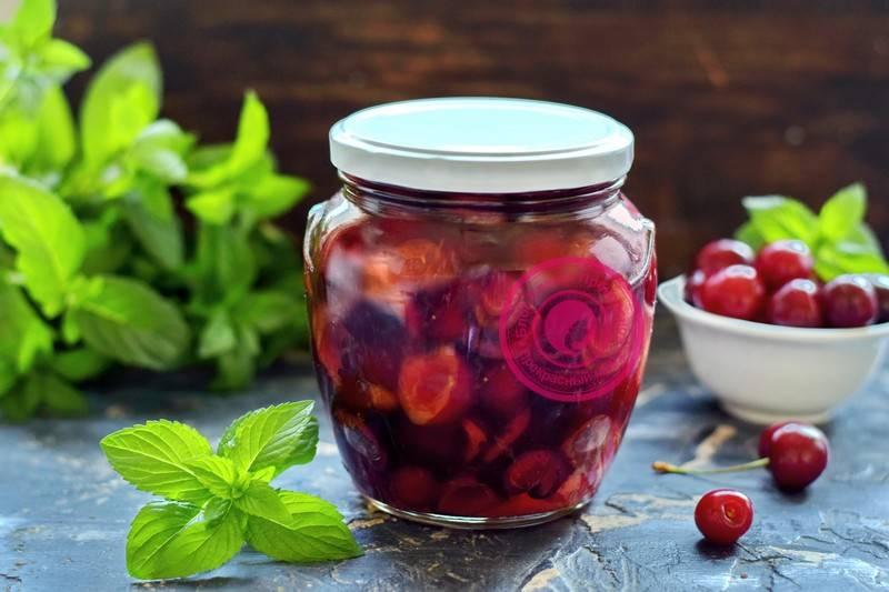Черешня в собственном соку на зиму - лучшие и простые рецепты вкусной консервации