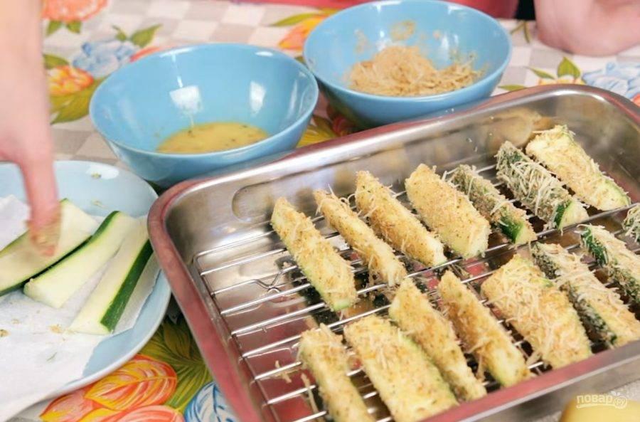 Чипсы из кабачков в сырной корочке
