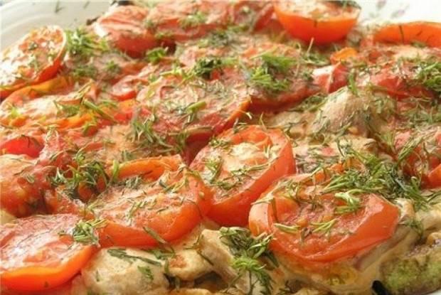 Кабачки, запеченные с грибами, сыром и помидорами