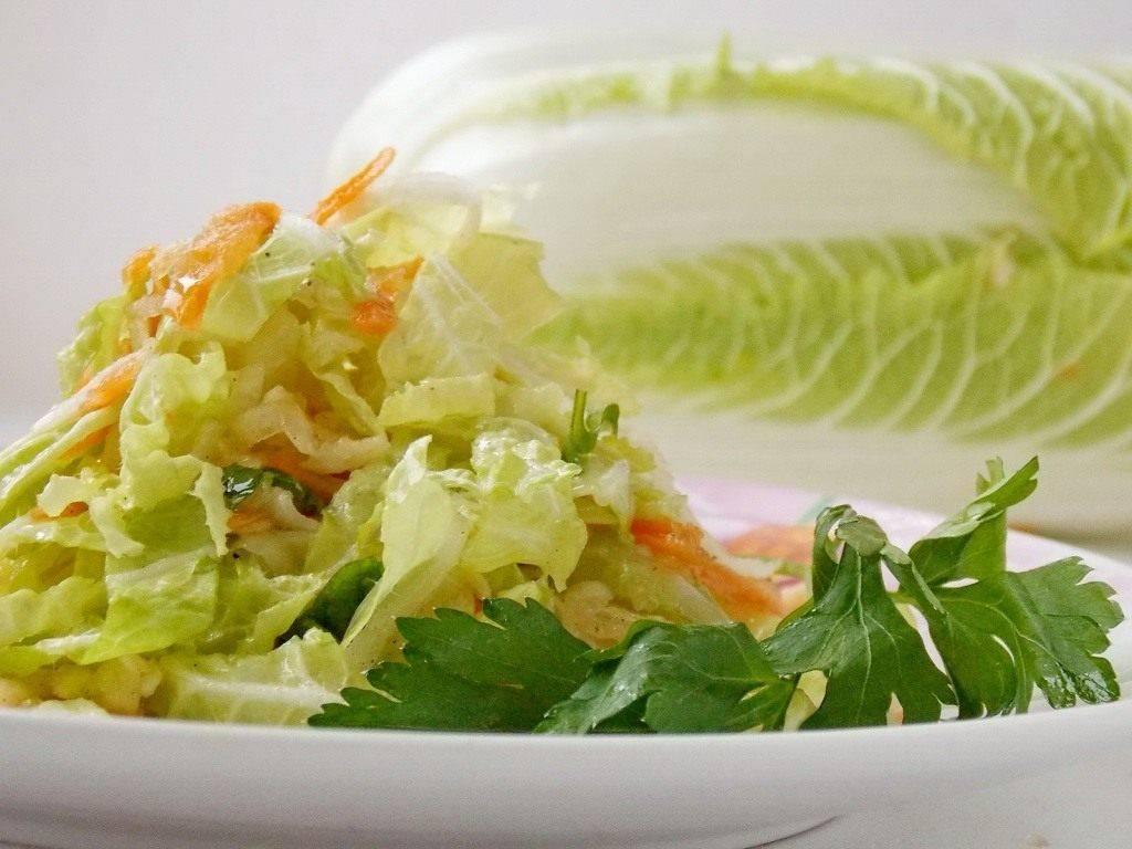 Подборка вкусных салатов с пекинской капустой