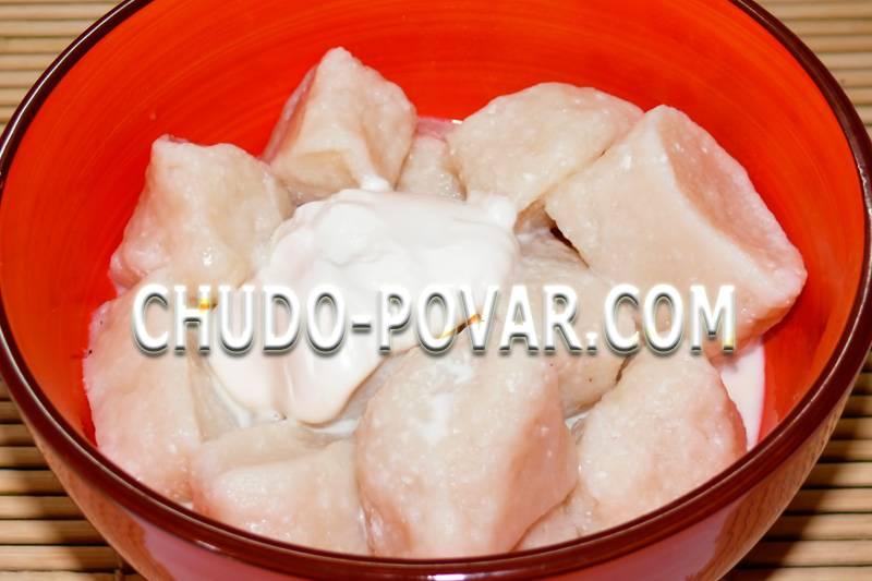 Запеченные вареники в сметанно-овсяном соусе