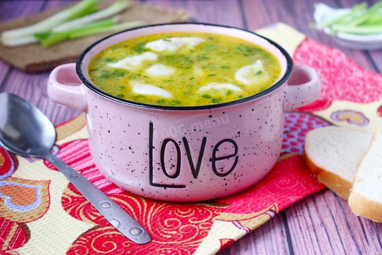 Как самостоятельно приготовить вкусный суп с пельменями?
