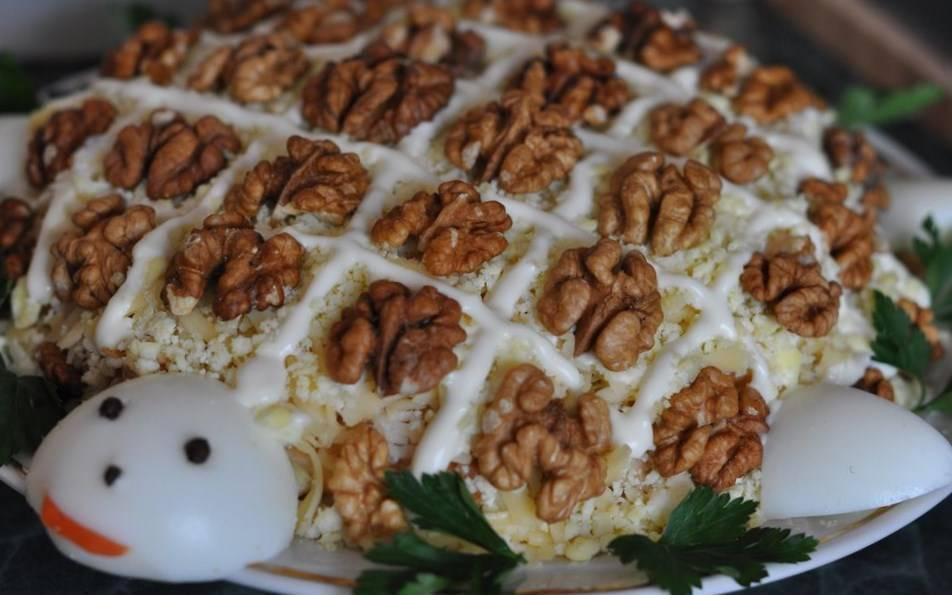 Куриная грудка с грецкими орехами