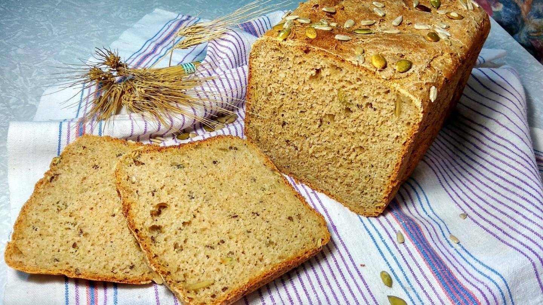 Пшенично-ржаной хлеб с паприкой, овсяными хлопьями и тыквенными семечками