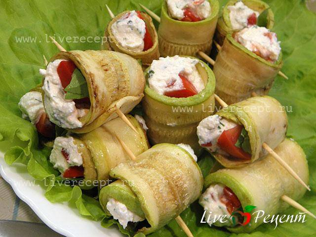 Рулетики из молодых кабачков с плавленым сыром