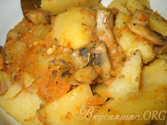 Тушеная картошка с грибами: пошаговые рецепты с фото