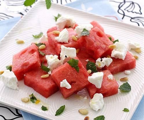 Салат с арбузом и фетой