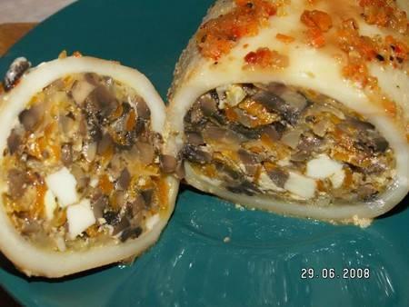 Кальмары фаршированные грибами и рисом в духовке