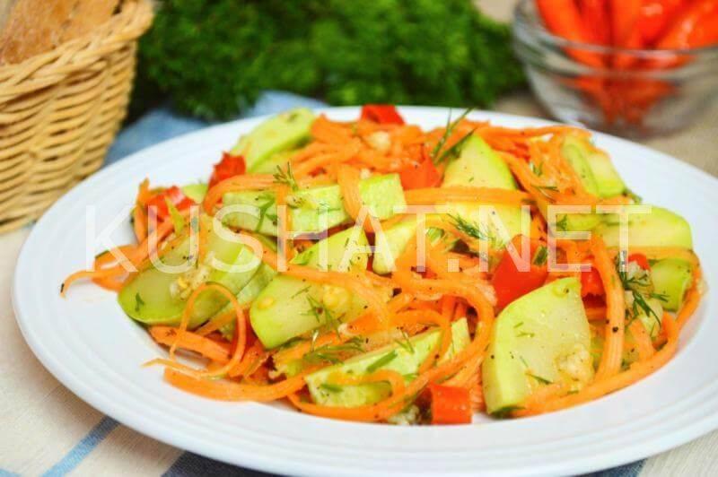 Салат из кабачков по корейски - быстрые рецепты и на зиму без стерилизации, с морковью, баклажанами и приправой