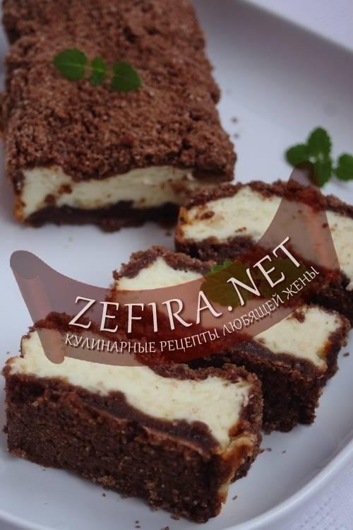 Маффины малиновые с шоколадным штрейзелем