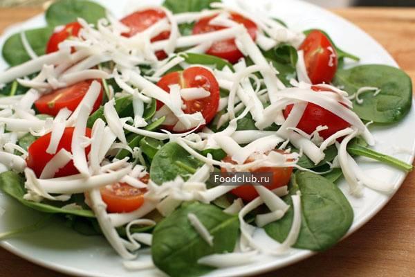 Салат из шпината со сметаной