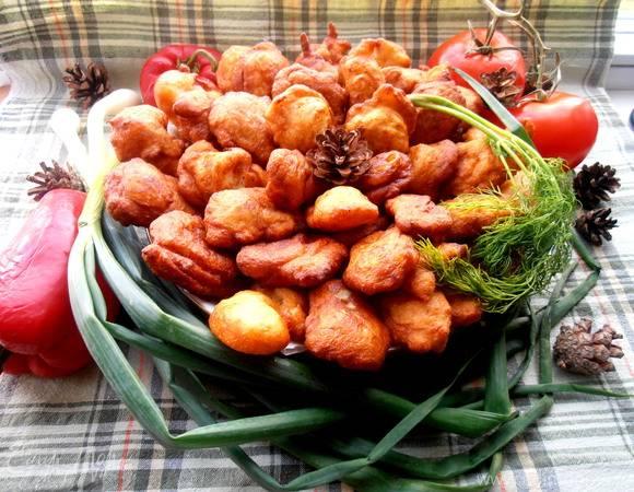 Картофельные пончики с овощной икрой