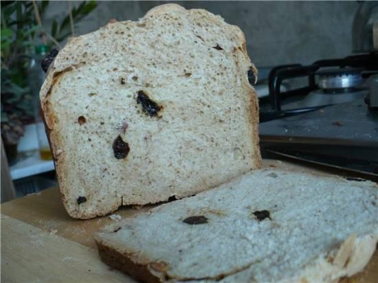 Ржаной хлеб в хлебопечке с черносливом