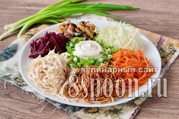 Легкие салаты на праздничный стол - вкусная подборка