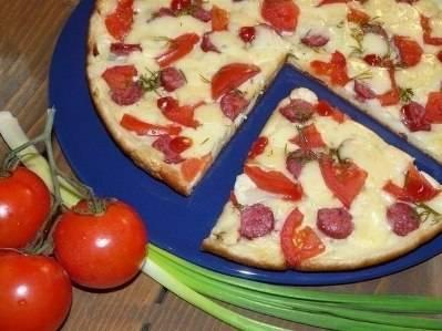 Ленивая пицца на сковороде на сметане и майонезе