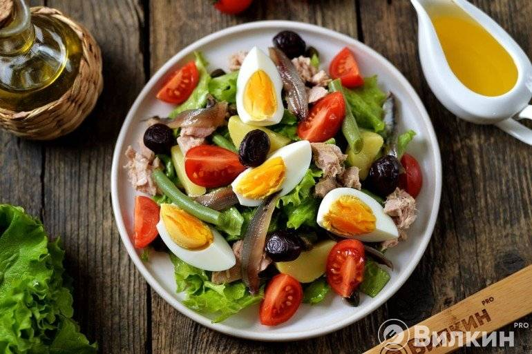 Салат нисуаз с тунцом — классические рецепты французской кухни