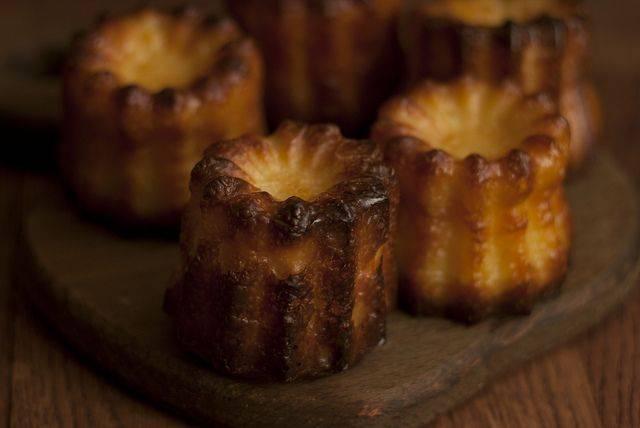 Канеле: готовим нежный французский десерт дома
