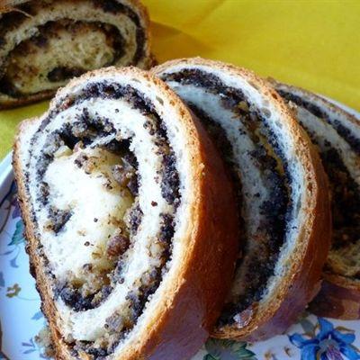Рулетики из перца с творогом и грецкими орехами