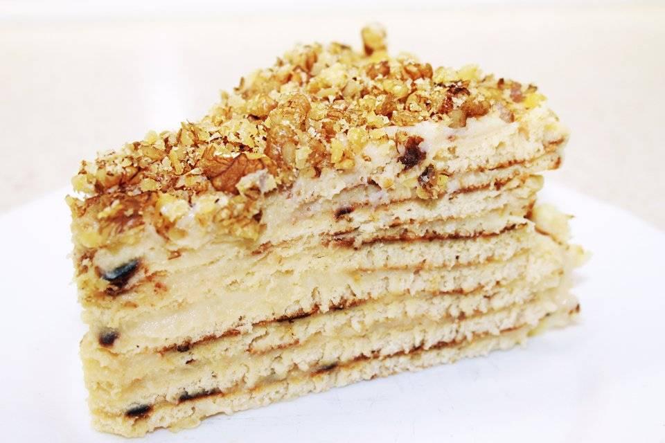 Медовый бисквитный торт с заварным кремом — очень легкий и вкусный рецепт