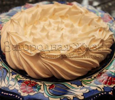Меренговый торт с кремом  «пломбир»