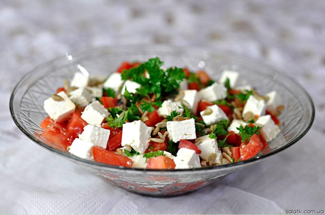 Освежающий салат с арбузом