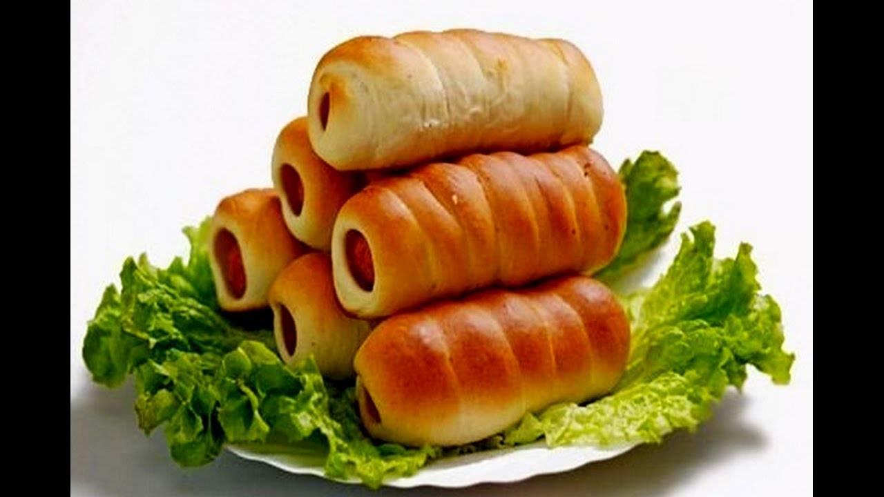Цветочки из дрожжевого теста с колбасой