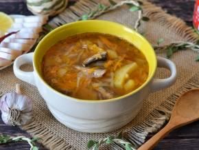 Суп из кильки в томате: 8 простых рецептов |